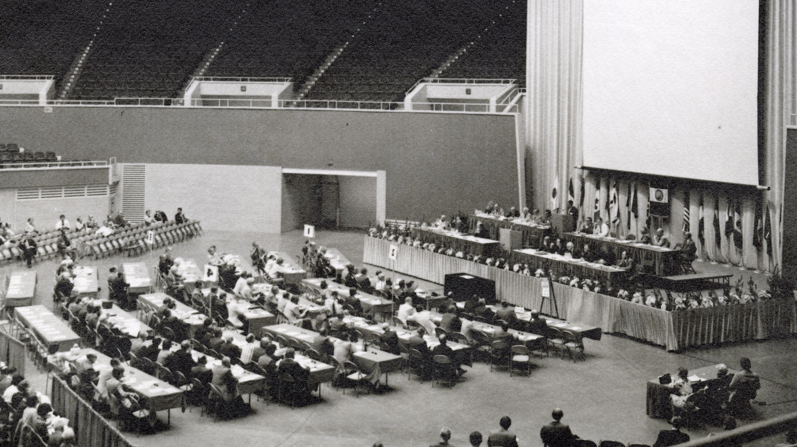 APA Archives_F41-3_Business Session_5.2.1972_wideshot
